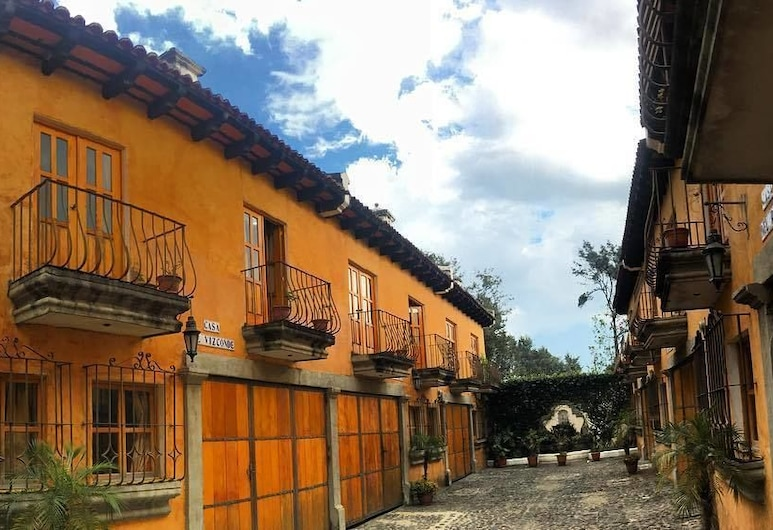 CHANTE LEON ANTIGUA, Antigua Guatemala