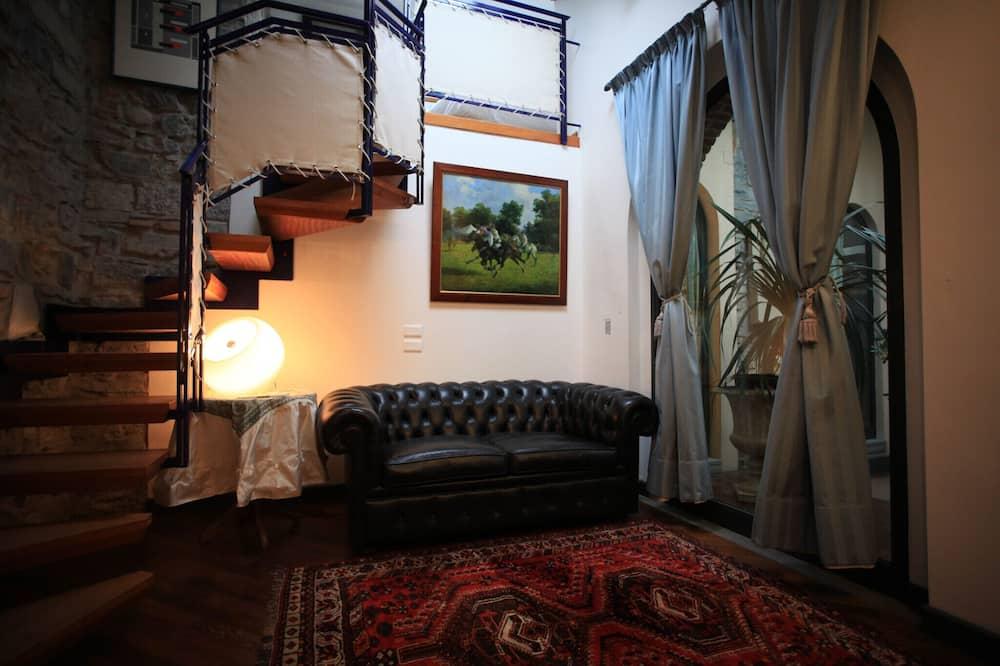 Двухместный номер с 1 двуспальной кроватью (Split Level) - Зона гостиной