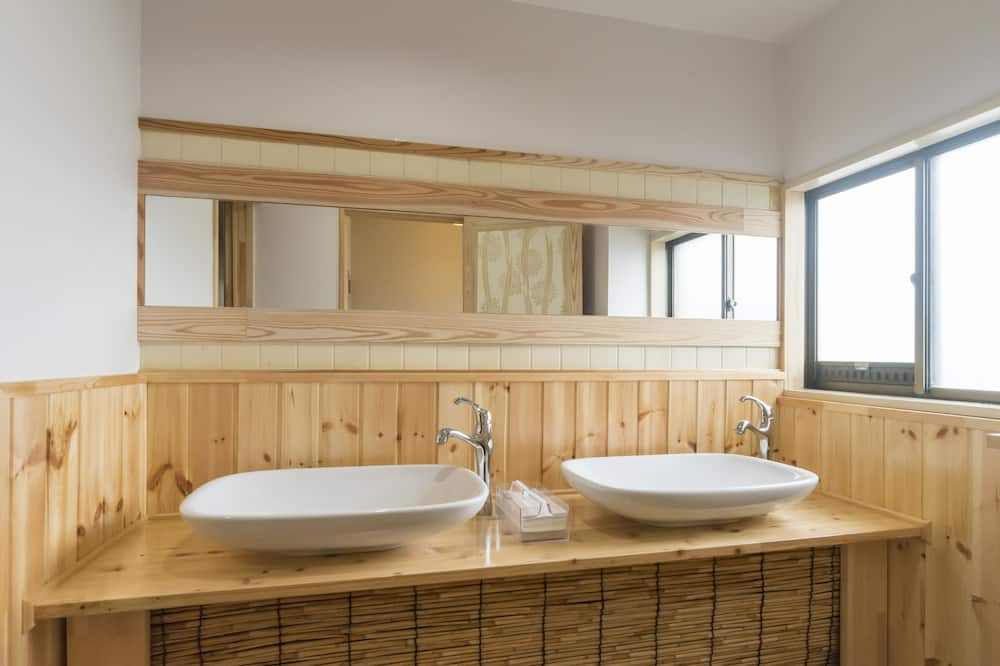 Twin Room - Bathroom Sink