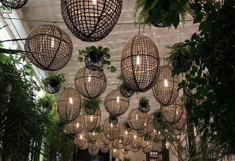 加蘭加泰屋酒店, 墨西哥城, 室外用餐