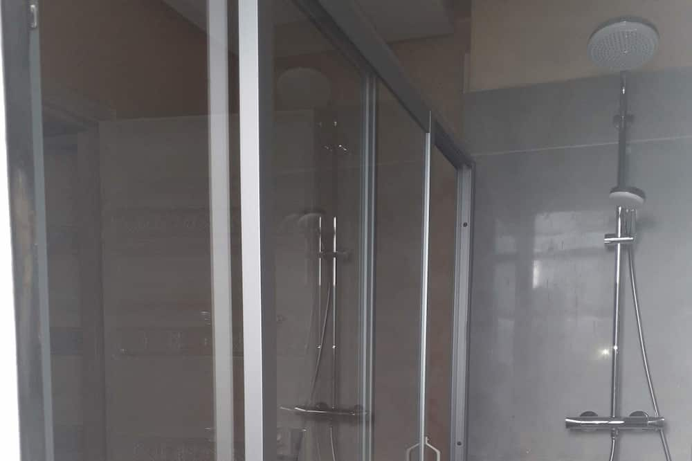 Romantický pokoj, 3 ložnice, kuřácký, výhled do dvora - Koupelna