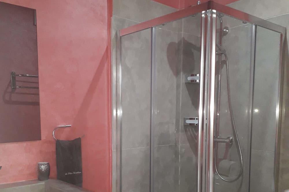 Rodinný pokoj s dvojlůžkem, 5 ložnic, kuřácký, výhled do dvora - Koupelna