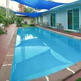 Pool View with A/C - Piscina al aire libre