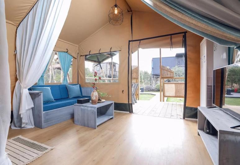 Lin Jia Camping Site Shanghai, Shanghai, Signature Tent, 2 Bedrooms, Living Area