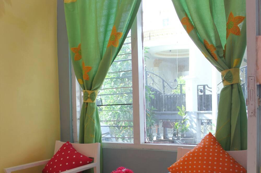 Basic Villa, 2 Bedrooms, Non Smoking, Kitchen - Living Room
