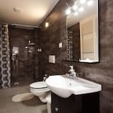 Family Triple Room - Bathroom