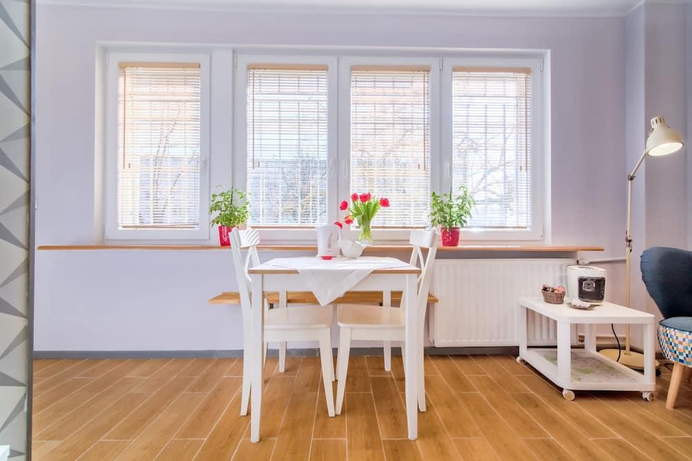 Komforta studijas tipa numurs - Dzīvojamā zona