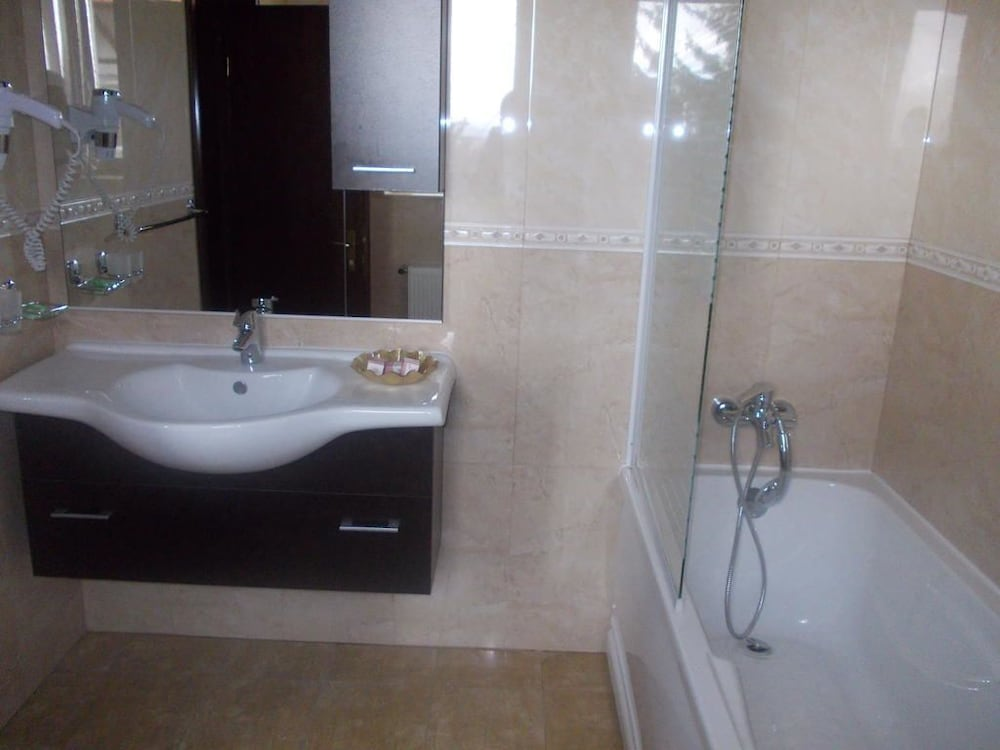 Vasca Da Bagno Esprit : Prenota hotel esprit a brasov hotels