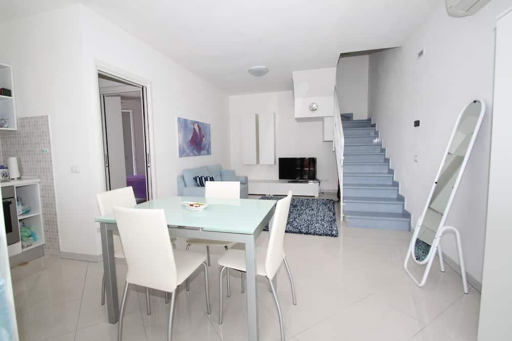 Villa, 3 Bedrooms (Viale Dolomiti 48 B/4) - In-Room Dining