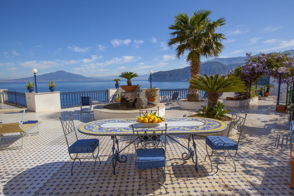 Book La Terrazza 38 in Sorrento | Hotels.com