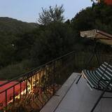 Dvojlôžková izba typu Exclusive, 1 extra veľké dvojlôžko, masážna vaňa, výhľad na hory (Kirmizi ) - Balkón