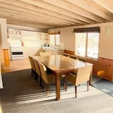 Chalet, 4 Bedrooms - In-Room Dining