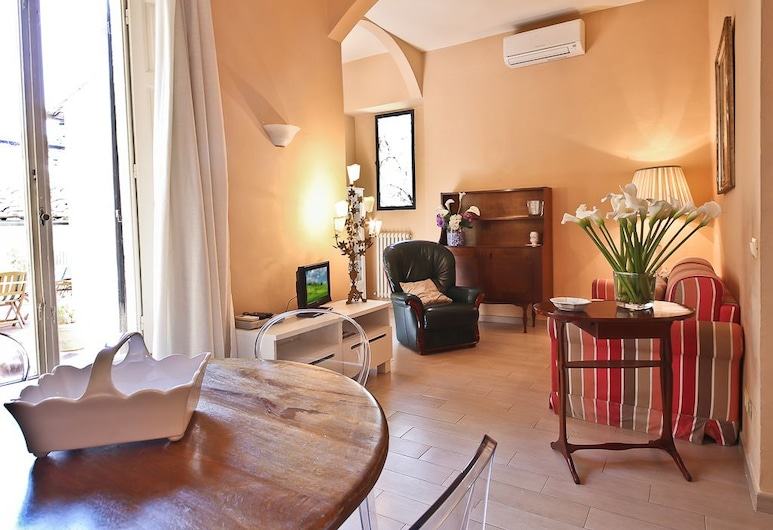 Alfani Terrace, Florence, Apartment, 2 Bedrooms, Living Area