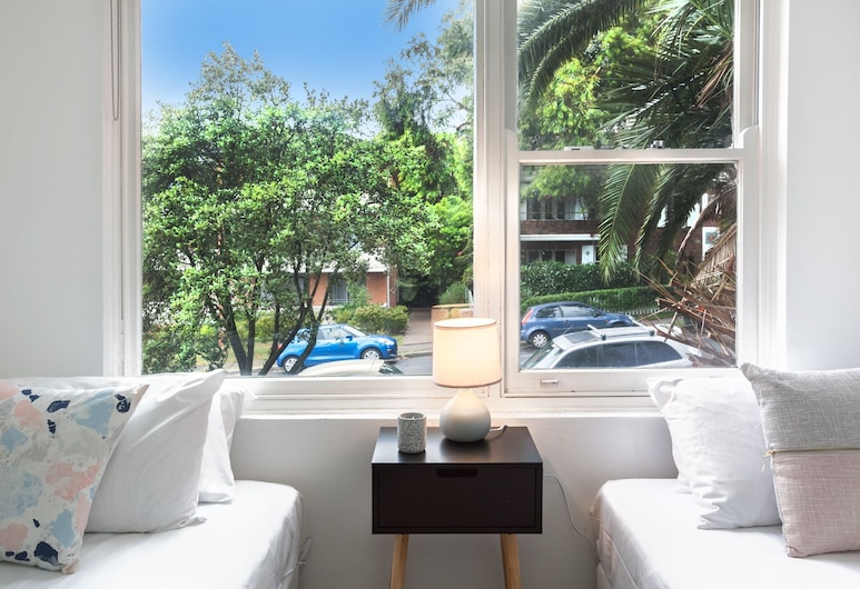 Denham daze (i677), Bondi, Apartment, 2 Bedrooms, Room