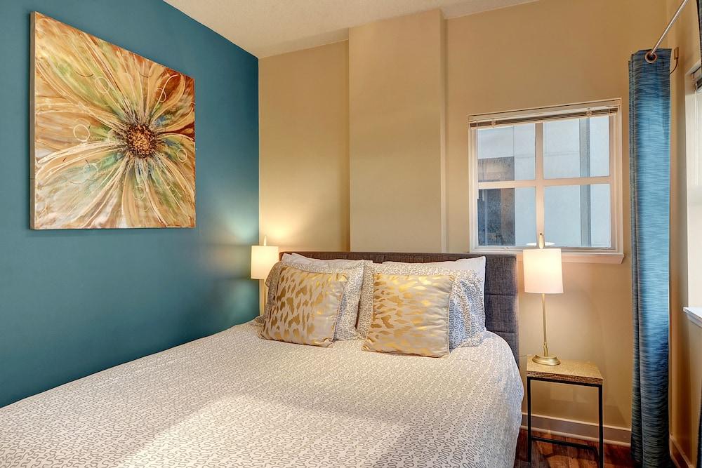 everyaptmapped washington photo bedroom one wa charbonneau seattle apartments