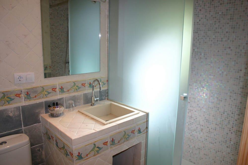 ห้องดับเบิล, เตียงใหญ่ 1 เตียง - ห้องน้ำ