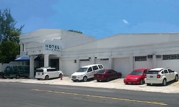 Picture of Hotel Grecia Real in San Salvador