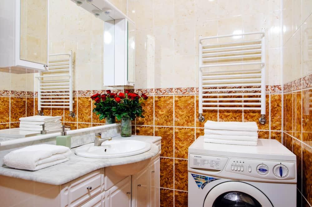 基本公寓客房, 2 間臥室 - 浴室