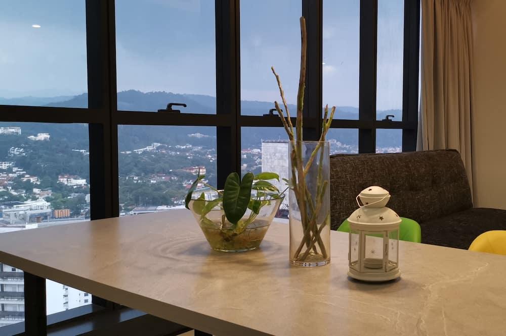 Premium Duplex, 2 Bedrooms, Kitchen, City View - Living Area
