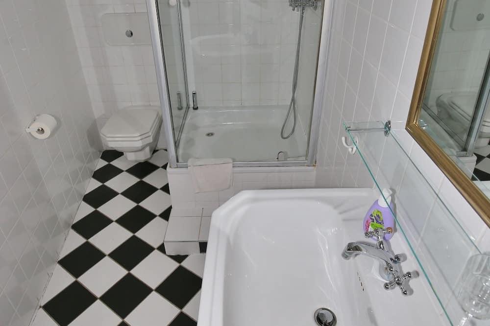 Apartament typu Classic Suite, patio - Łazienka