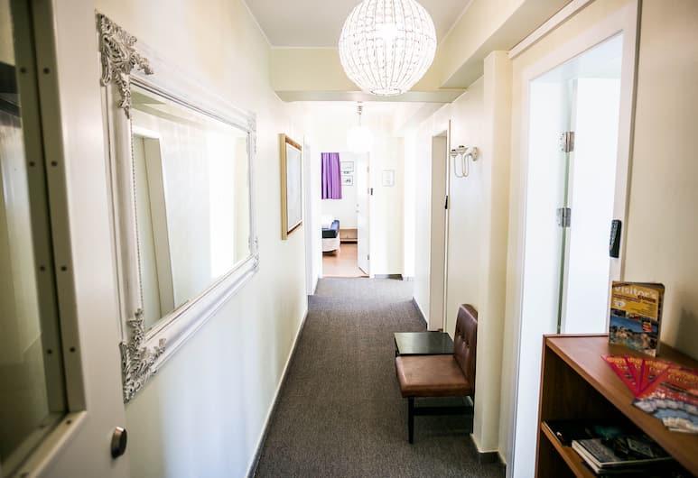Igdlo Guesthouse, Reykjavik, Hallway