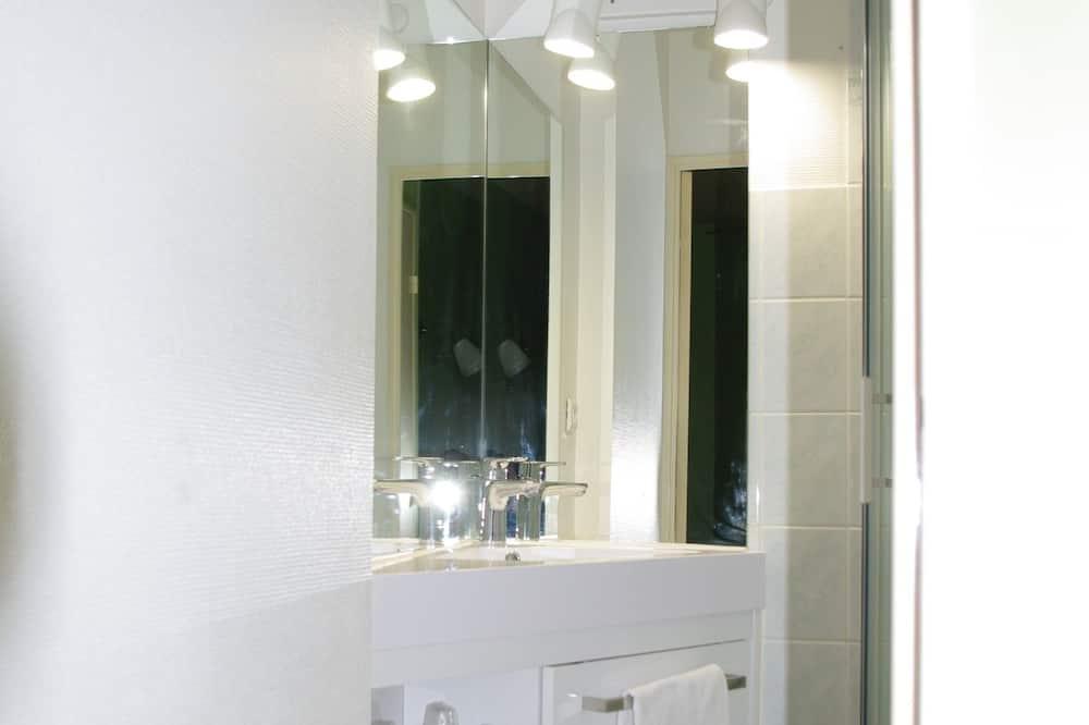 標準雙人房 - 浴室洗手台