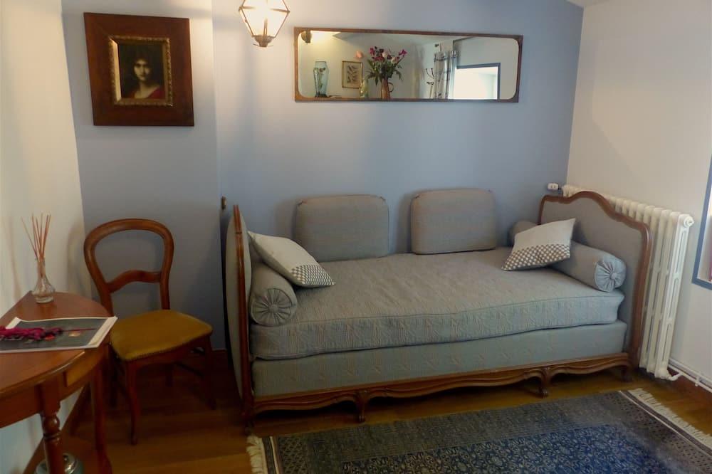 Triple Room (Sanderling) - Living Area