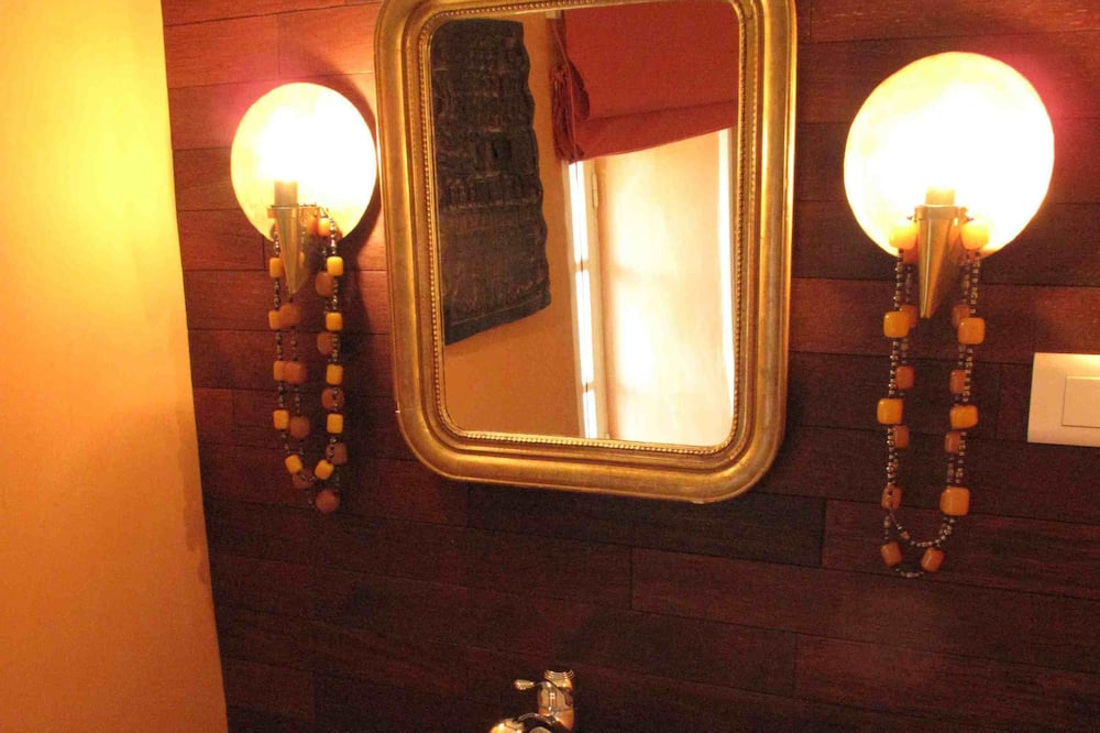 Double Room (L'Africaine) - Bathroom Sink