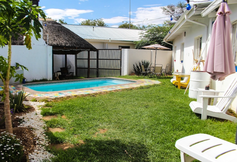 Kate's Nest Guesthouse, Windhoek, Zahrada