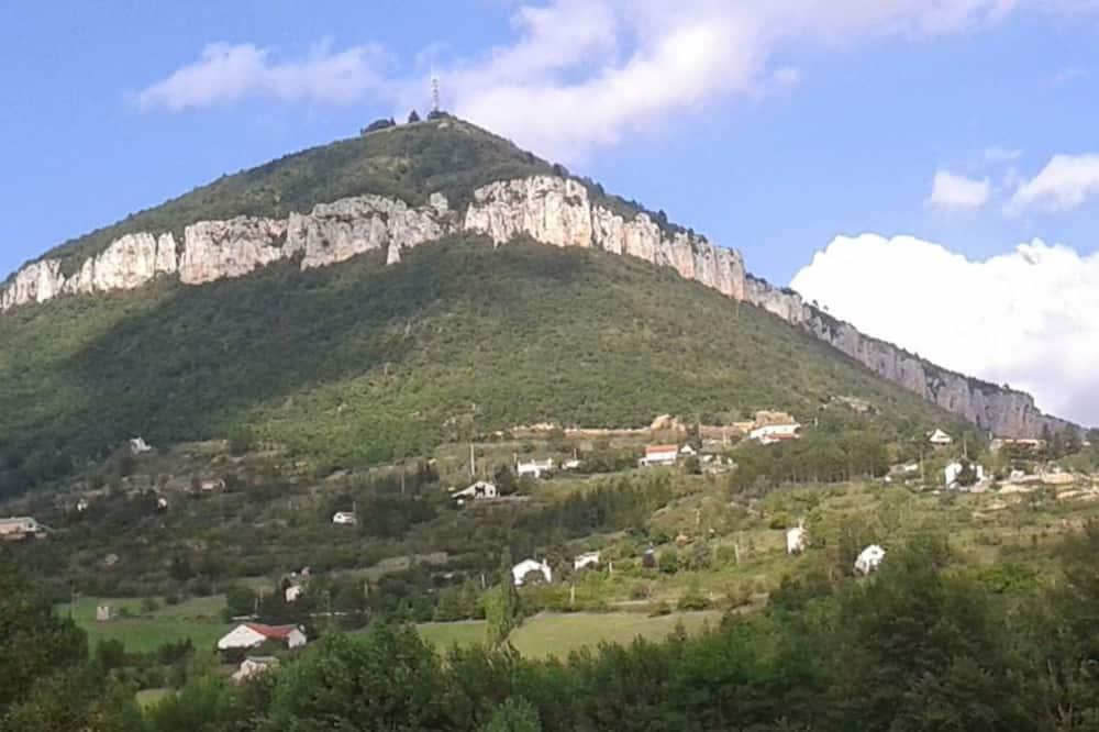 Standarta divvietīgs numurs, balkons - Skats uz kalniem