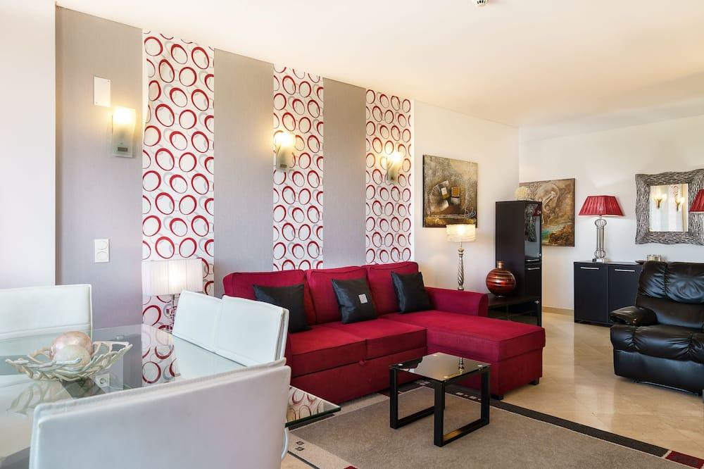 Basic Apartment, 1 Bedroom, Balcony - Living Area