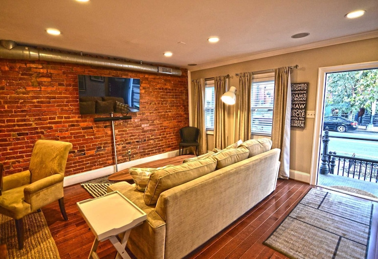 1826 Northwest Townhome #1060 - 3 Br Townhouse, Washington, Townhome, 4 Bedrooms, Living Area