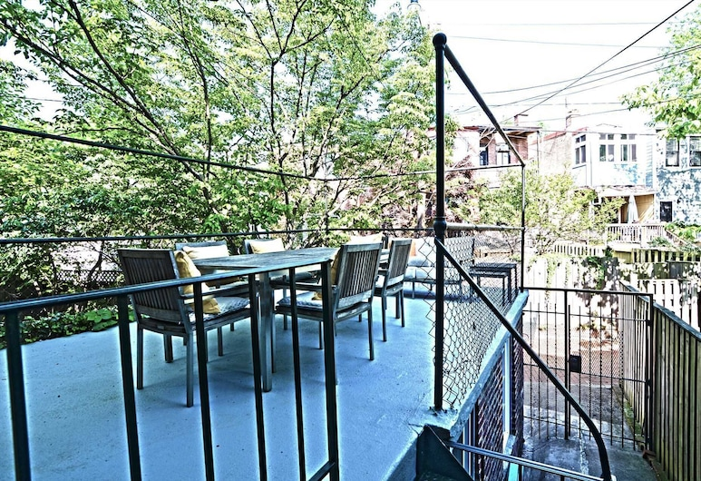 130 Southeast Townhome #1064 - 4 Br Townhouse, Washington, Townhome, 4 Bedrooms, Balcony