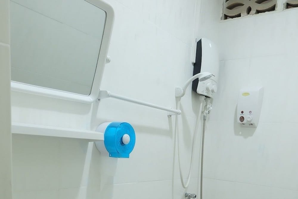 Shared Dormitory with Private Bathroom  - Banyo
