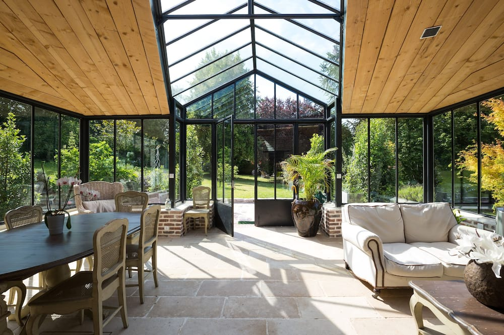 Cottage (Orangerie) - Living Room