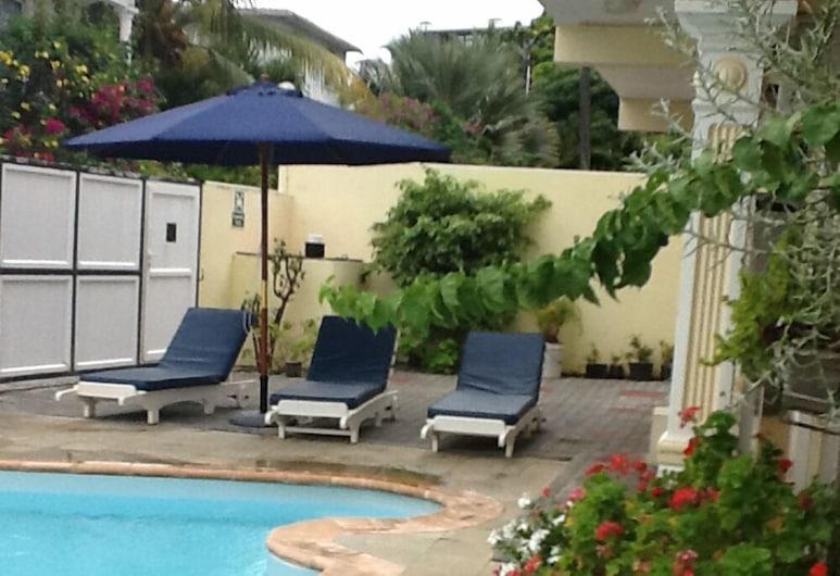克里斯汀公寓酒店, Grand-Baie, 室外泳池