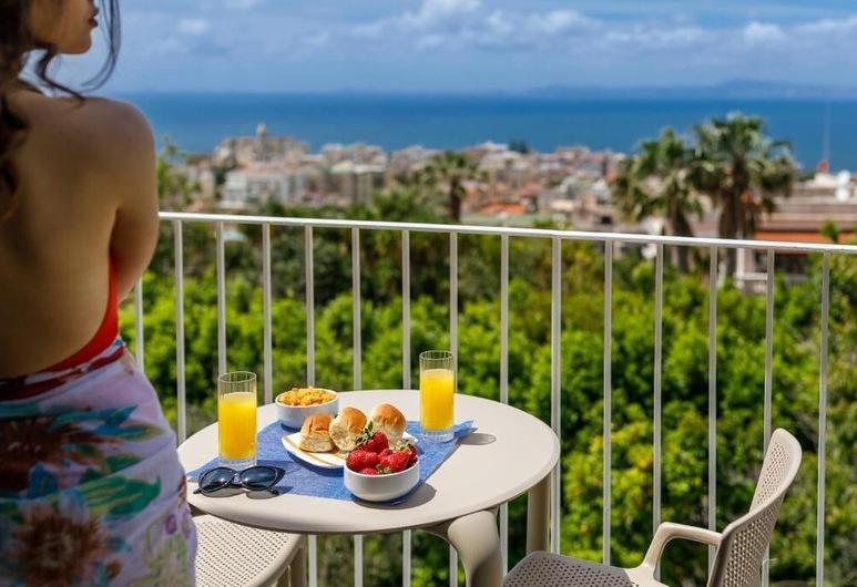 Domo20, Vico Equense, Habitación doble, balcón, vista al mar, Balcón