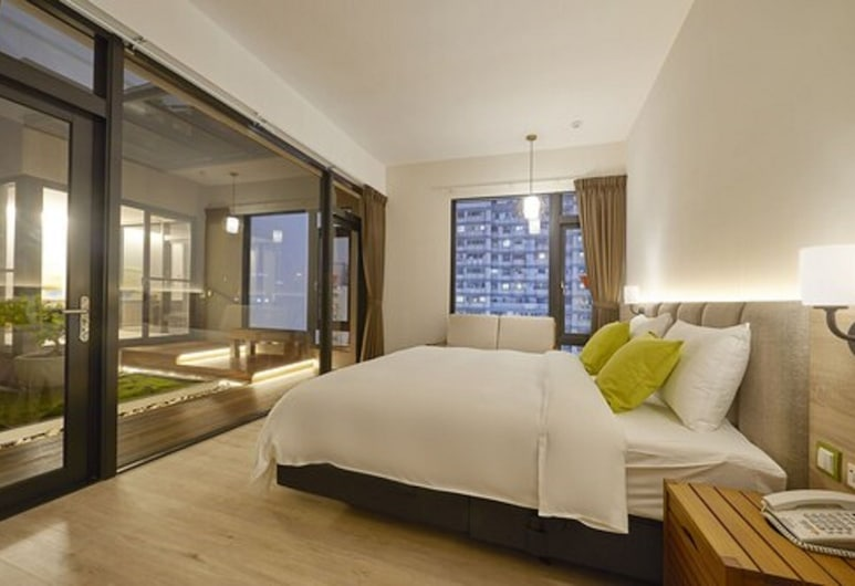 Hotel Z,Feng-Chia,Taichung , Taichung, Grand Quadruple Room, 2 Bedrooms, City View, Garden Area, Guest Room