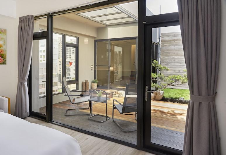 Hotel Z , 台中市, 森林四人房,1 張加大雙人床(單人電動床合併),外加二床臥鋪,花園 , 飯店內部