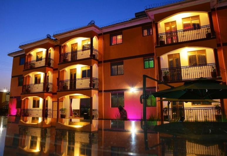 Mak-Queen Hotel, Kampala, Hadapan Hotel - Petang/Malam