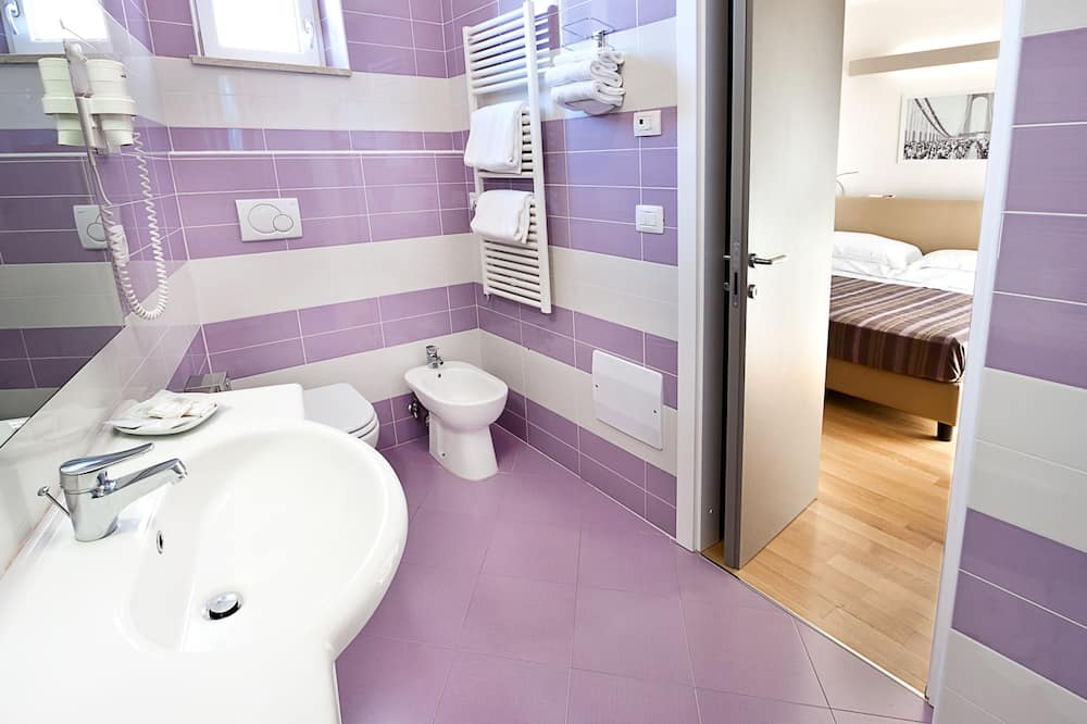 Superior-Doppelzimmer, 1 Queen-Bett - Badezimmer