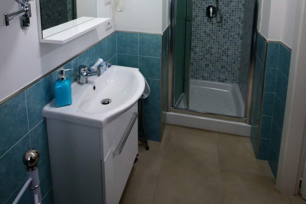 Standardzimmer, Bergblick - Badezimmer