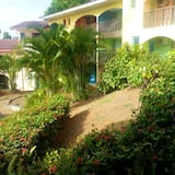 Studio in Sainte-anne, With Shared Pool, Furnished Terrace and Wifi - 100 m From the Beach