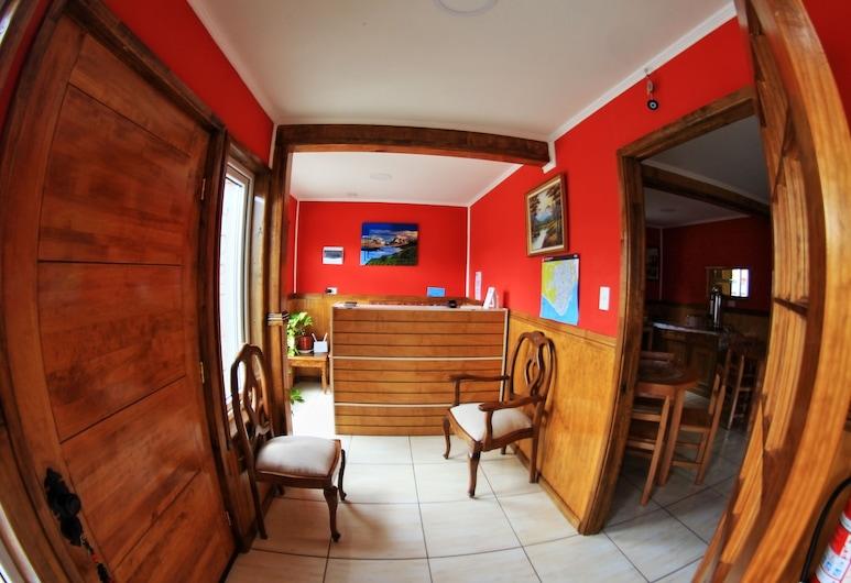 Hostal America en Puerto Natales, Natales, Reception