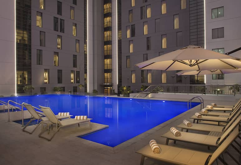 Hampton by Hilton Dubai Airport, Dubajus, Lauko baseinas