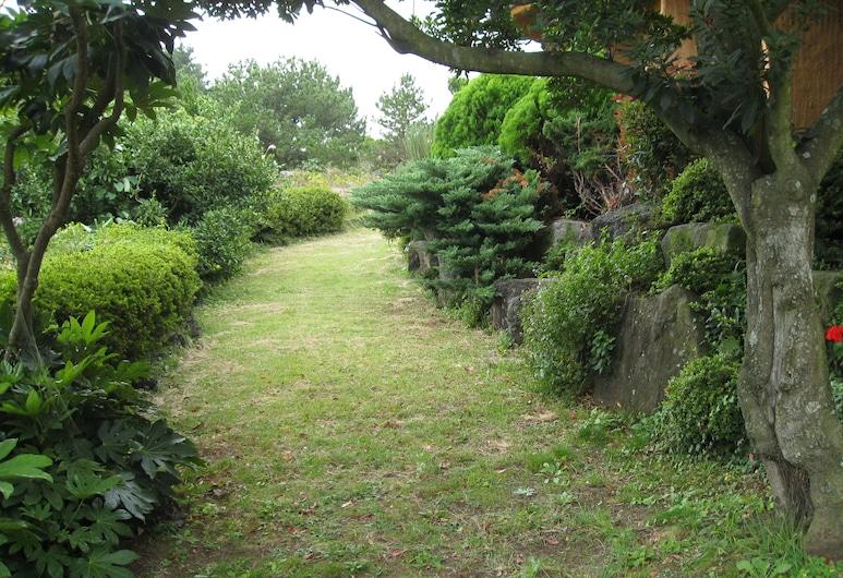 고망난돌 펜션, 서귀포시, 정원