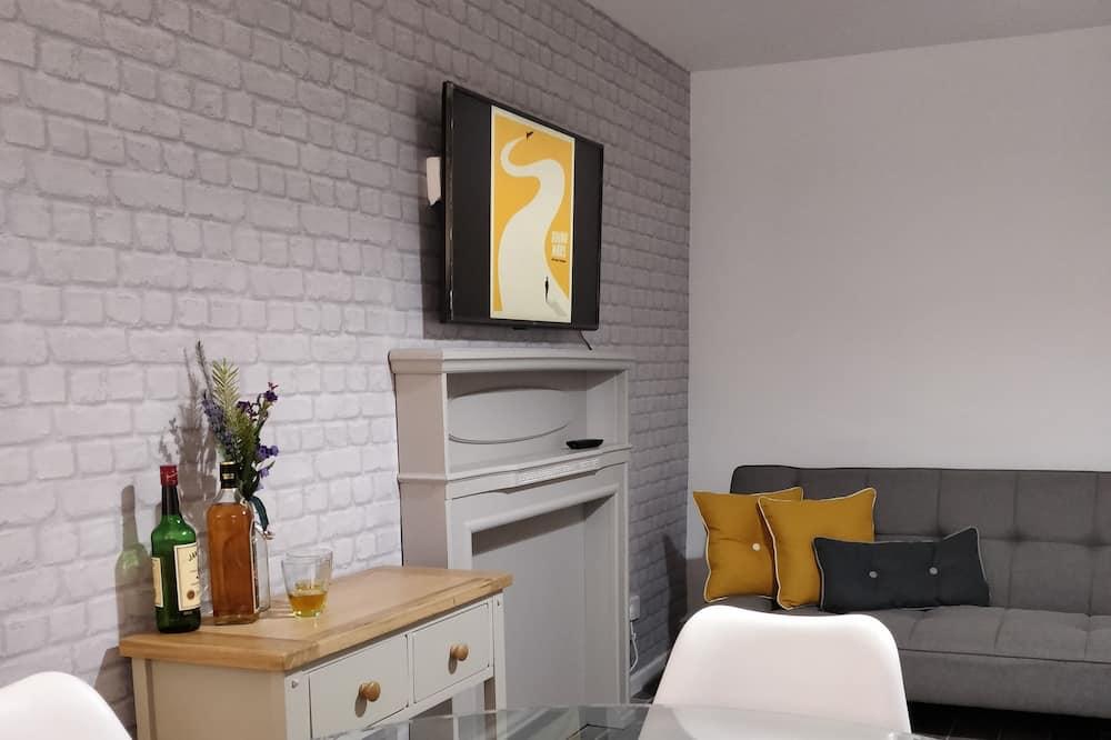 아파트, 침실 2개 (Second Floor) - 거실 공간
