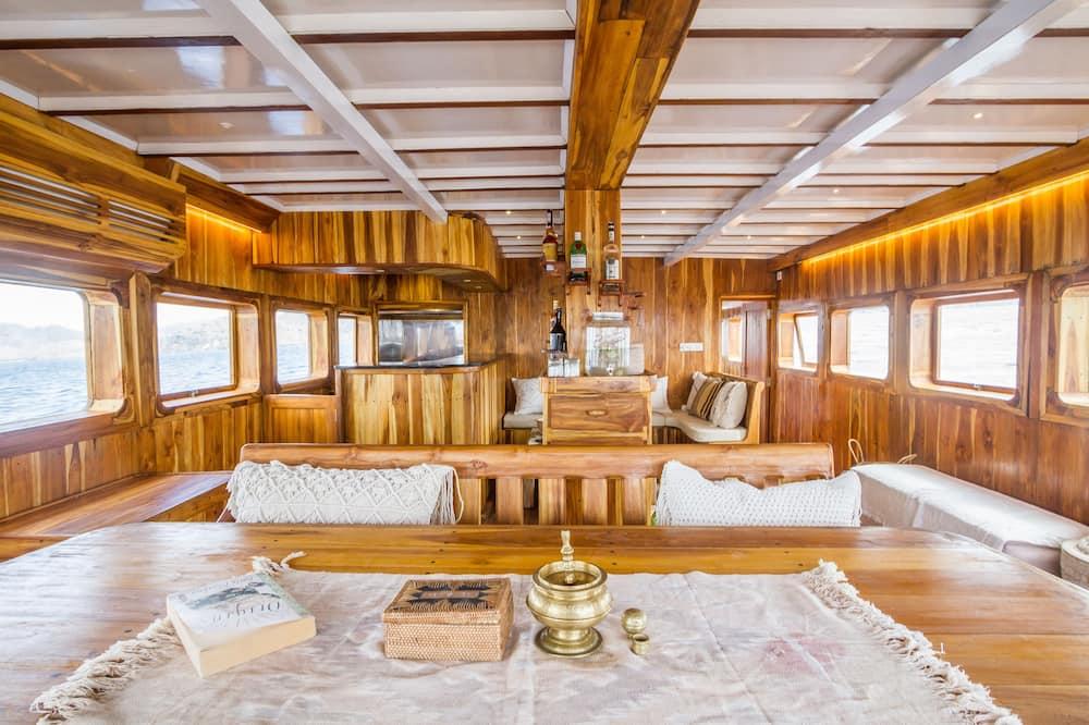 Mobile Home, Ocean View, Oceanfront - Living Area