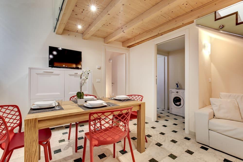 Duplex, 2 Bedrooms - In-Room Dining