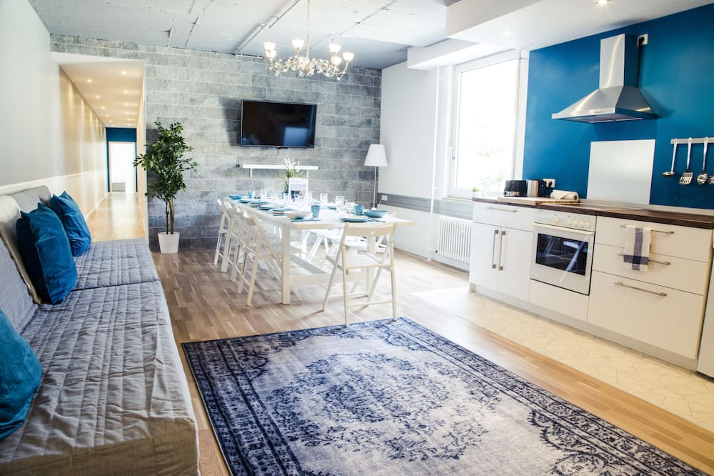 アパートメント 5 ベッドルーム - リビング エリア